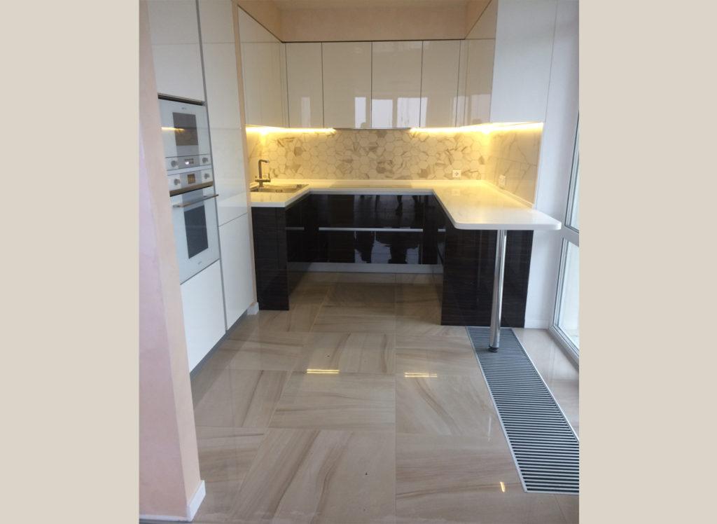 Кухня с интересной планировкой на 19 этаже!