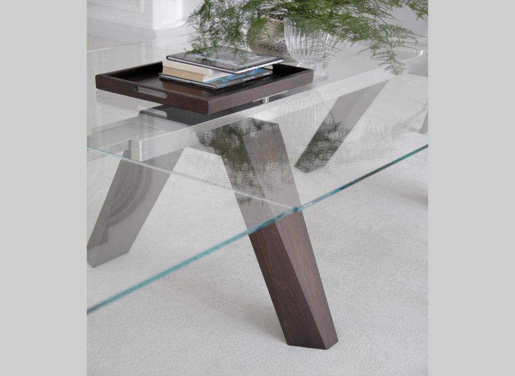Стол с массивными ножками и стеклянной столешницей ARON