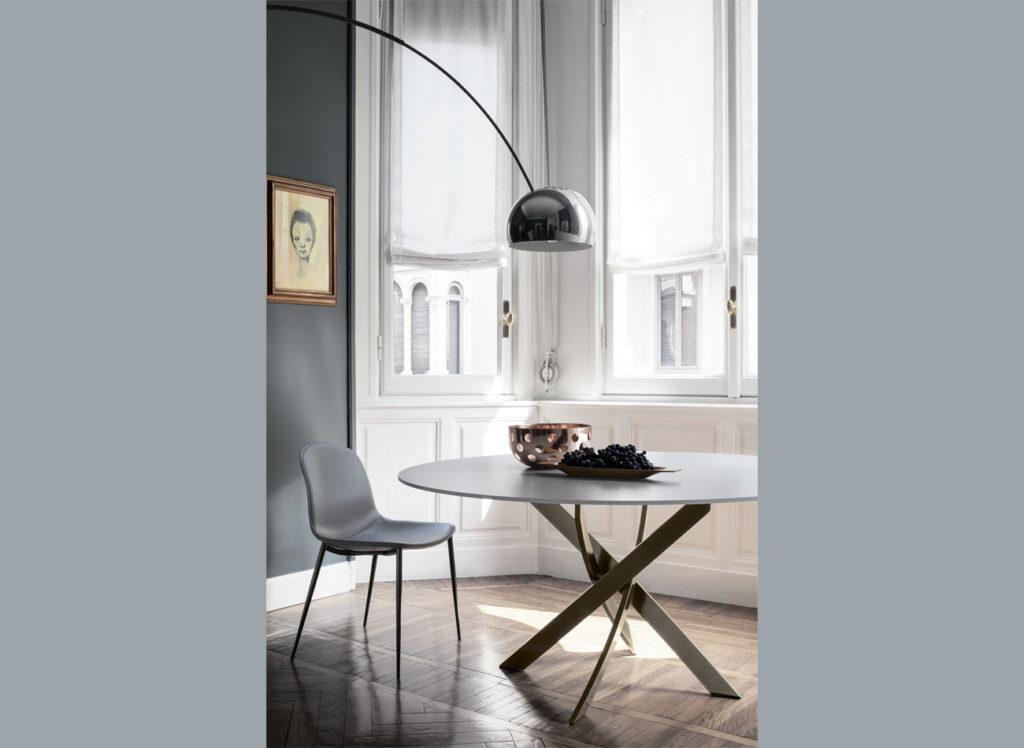 Круглый стол с потрясающим подстольем BARONE